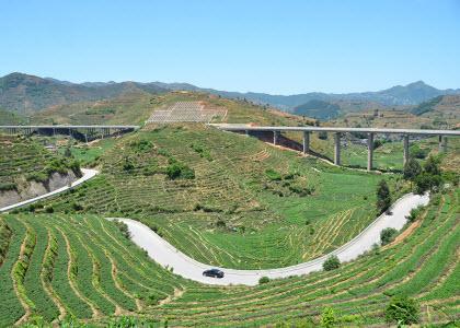 安溪茶乡公路谱新篇 157名公路人管养4807公里道路